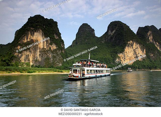 China, Guangxi, Xingping, tourboat on Li river