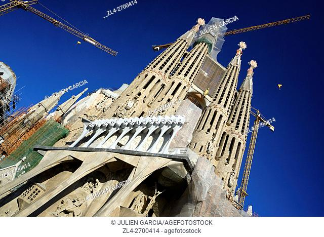 Spain, Catalonia, Barcelona, Eixample, the Sagrada Familia Basilica whose construction started in 1882, designed by Catalan modernist architect Antoni Gaudi