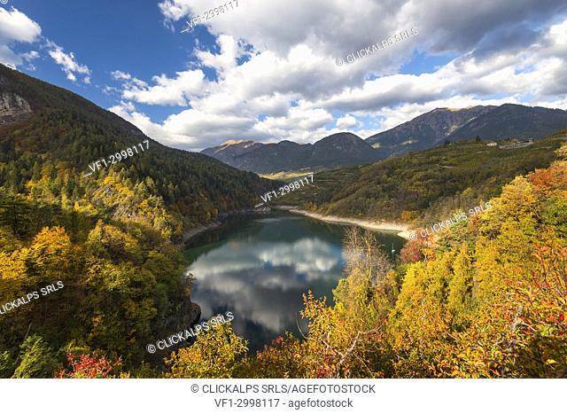 Santa Giustina lake in autumn