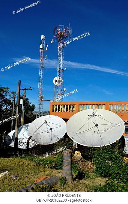 Parabolic antennas in Morro do Cristo or Mirante, Bueno Brandão, Minas Gerais, Brazil, 07.2016