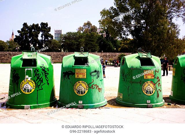 Containers for recycling glass