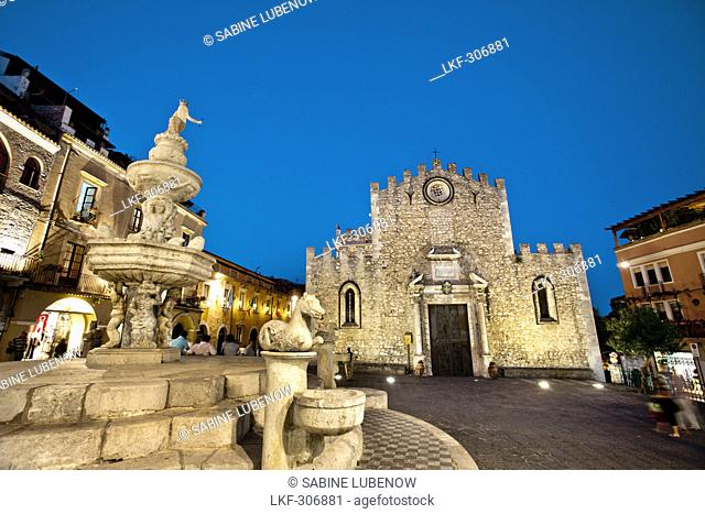 Cathedral, Piazza Duomo, Taormina, Sicily, Italy