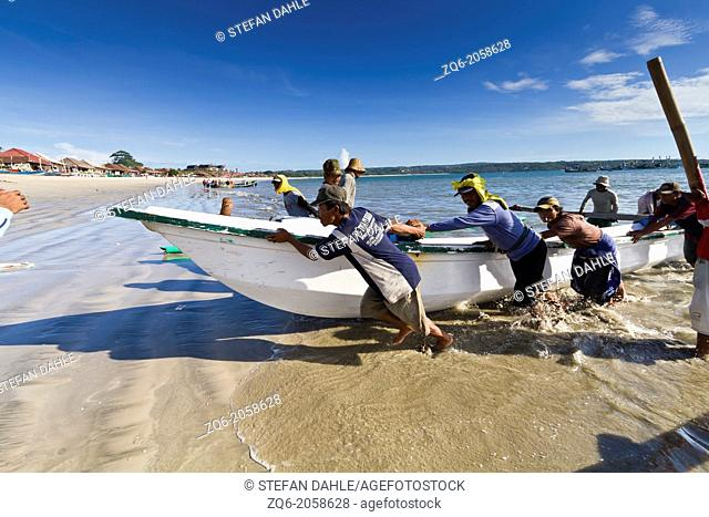 Muslim Fishermen at work in Jimbaran on Bali, Indonesia