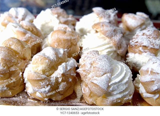 cream montadito