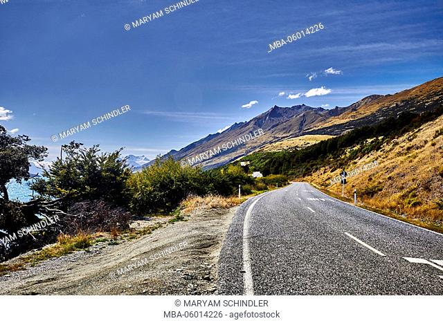 New Zealand, south island, southern scenic route, picturesque street through the mountains, blue skys, sunny