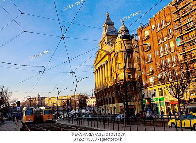 The trolley of Deak Ferenc Ter Square in the afternoon