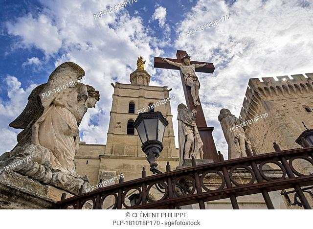 Sculptures of angels, crucifix and gilded statue of Virgin Mary at Cathédrale Notre-Dame des Doms d'Avignon / Avignon Cathedral, Vaucluse, France