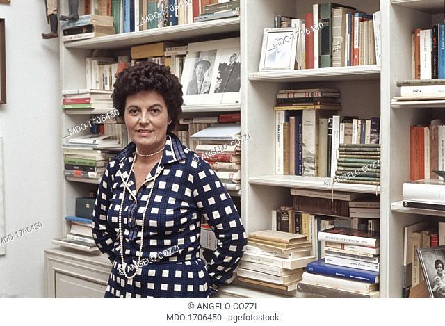 Gina Lagorio. The italian writer Gina Lagorio in her home in Milan. Milan, Italy, 1984