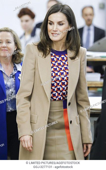 Queen Letizia of Spain visits the School of Engraving and Graphic Design and delivery the awards of Graduation to the 7th promotion of the 'Master in Engraving...