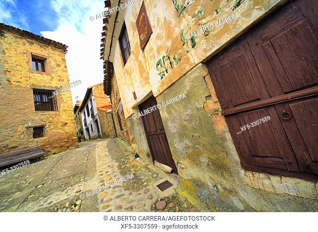 Street Scene, Tipycal Architecture, Old Town, Yanguas, Soria, Castilla y León, Spain, Europe