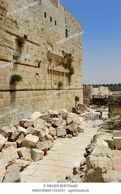 Israel, Jerusalem, holy city, the old town listed as World Heritage by UNESCO, the Temple Mount in the Davidson Center, western retaining wall of the Temple...