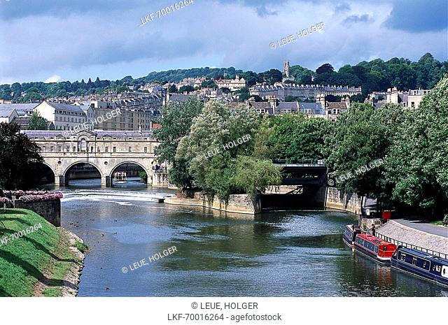 Pulteney Bridge and River Avon, Bath, Somerset England