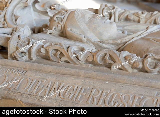 Germany, Saxony-Anhalt, Magdeburg, Magdeburg Cathedral, sandstone sarcophagus of Queen Editha, died in 946. (In 1520 the cathedral was completed after 311 years...