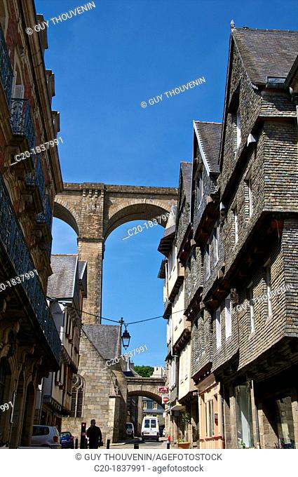 Famous houses in 'Ange de Guernisac ' street with Viaduct in the background, Morlaix, 29, Finistere, Brittany, France