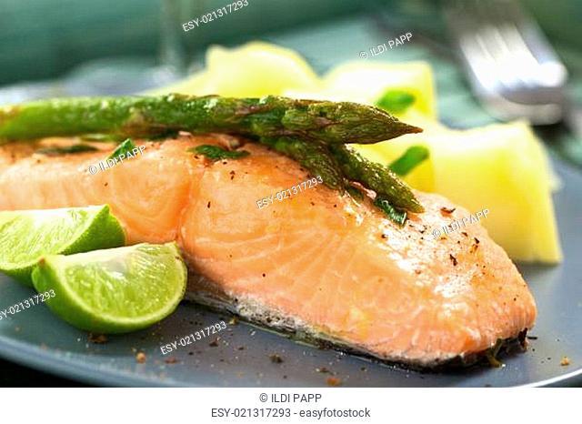 Baked Salmon with Asparagus