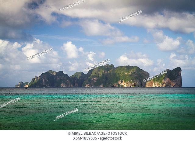 Phi Phi Lee island from Long beach  Phi Phi Don island  Krabi province, Andaman Sea, Thailand