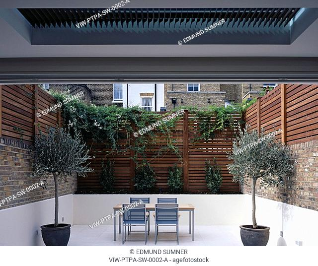 PRIVATE HOUSE, LONDON, SW3 CHELSEA, UK, PTP ARCHITECTS LTD, EXTERIOR, EXTERIOR VIEW - SUNKEN REAR GARDEN