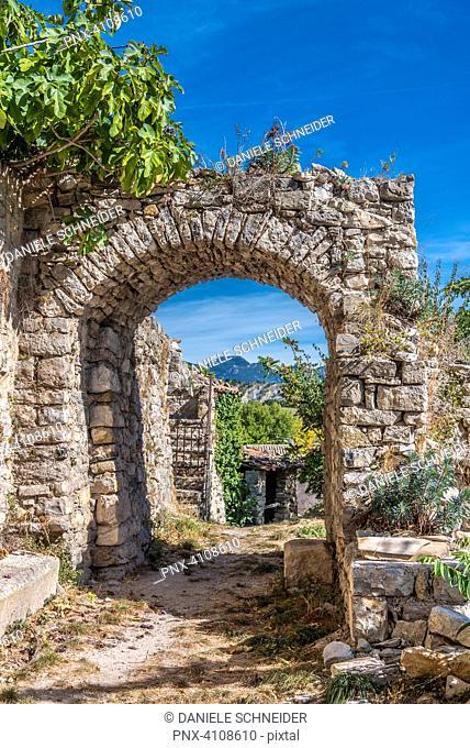France, Drome, The Provencal Baronnies Regional Natural Park, Saint Jalle village, medieval ruins