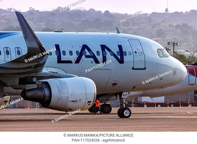 Cartagena, Colombia – January 27, 2019: LAN Airbus A320 airplane at Cartagena airport (CTG) in Colombia. | usage worldwide. - Cartagena/Colombia
