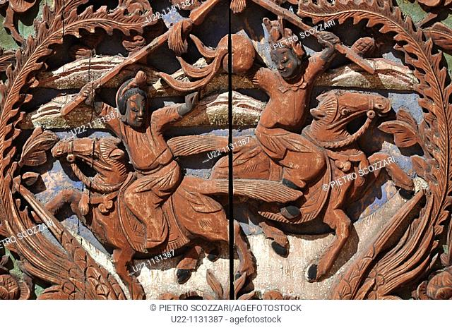 Malacca (Malaysia): carved wooden furniture in Chinatown