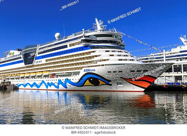 Cruise ship Aida Luna, Hudson River, Manhattan, New York City, New York, USA
