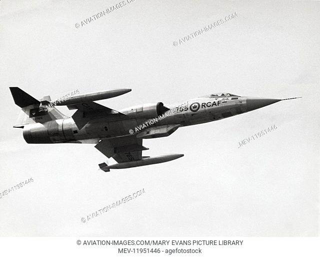 Royal Canadian Airforce Lockheed F-104G Starfighter Cf-104A Flying Enroute