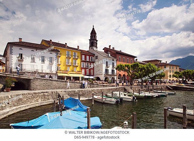 Switzerland, Ticino, Lake Maggiore, Ascona, Piazza Motta, lakefront