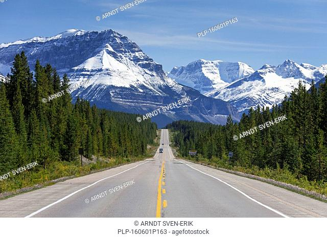 Icefields Parkway / Highway 93 in the Jasper National Park, Alberta, Canada