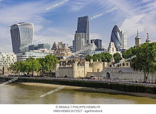 United Kingdom, London, the River Thames, the Tower of London, the City with its skyscrapers, the tower known as the Walkie Talkie designed by architect Rafael...