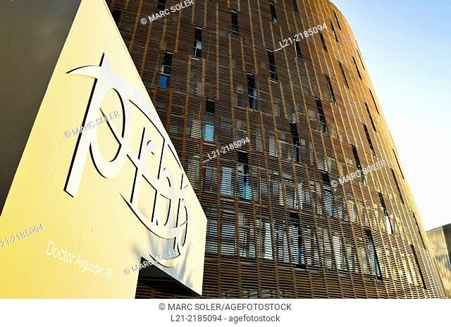 Barcelona Biomedical Research Park building by Manel Brullet and Albert Pineda. Vila Olímpica, Barcelona, Catalonia, Spain