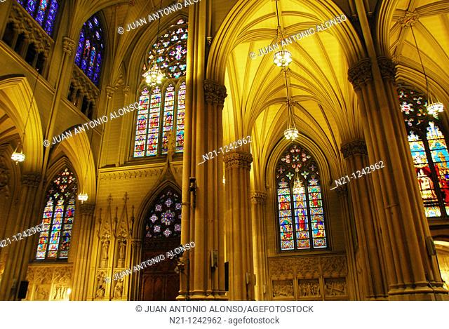 Saint Patrick's Cathedral nave. Midtown East, Manhattan,  New York, New York. USA