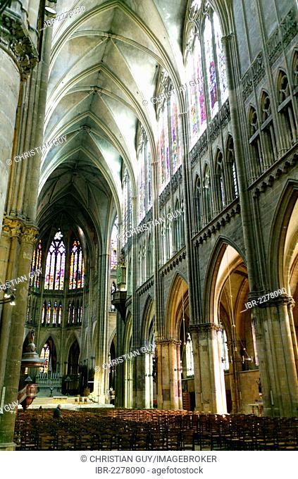 Interior view, Cathedral of Saint-Étienne, built between 1220 and 1520, Metz, Lorraine, France, Europe