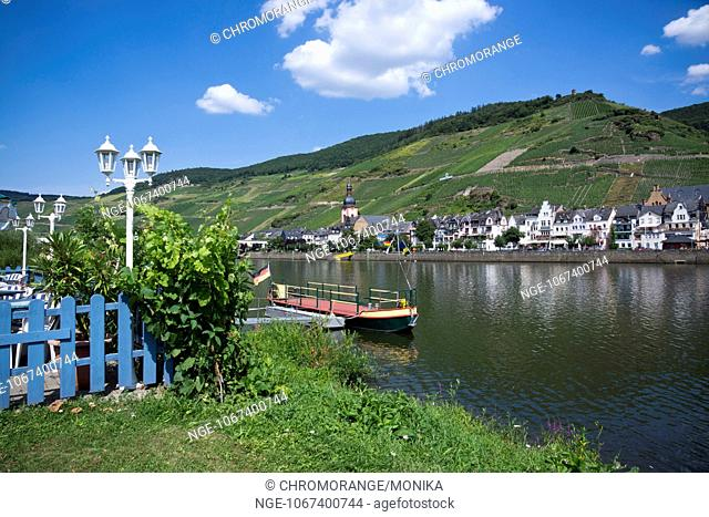 Landing stage on the bank of the Moselle River, in the background Zell Moselle , district Cochem Zell, Rhineland Palatinate, Germany, Europe