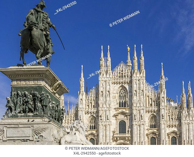 Equestrian statue of Vittorio Emanuele II overlooking the Gothic cathedral in Piazza del Duomo in Milan, Milano, Lombardy, Italy, Europe