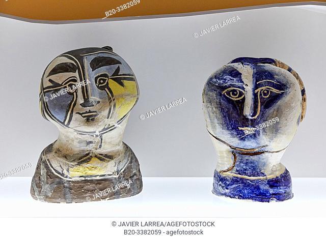 """""""Tête de femme á la résille"""", 1948-1950, Pablo Picasso, Picasso Museum, Paris, France, Europe"""