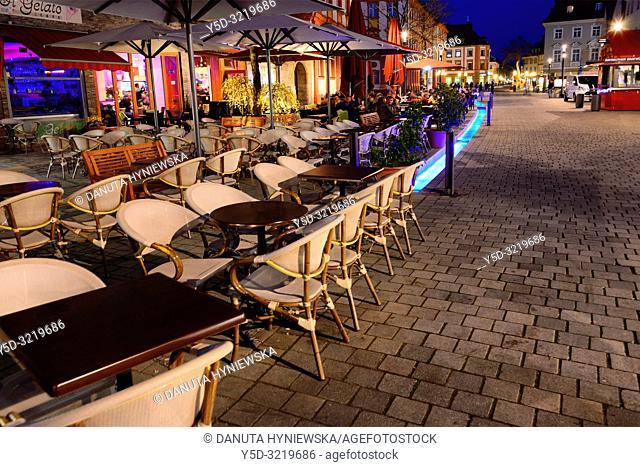 Street scene at night, Maximilianstrasse - main touristic promenade in old town, Bayreuth, capital of Upper Franconia, Bavaria, Bayern, Germany, Europe