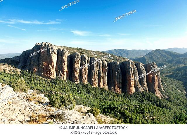 Views of Masmut rocks. Teruel province