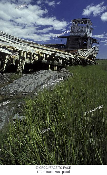 Ship wrack at the coast, New england, America