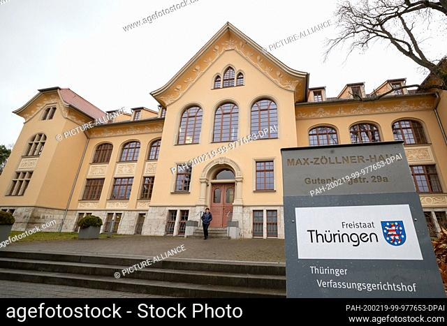 19 February 2020, Thuringia, Weimar: In the Max-Zöllner-Haus is the conference room of the Thuringian Constitutional Court