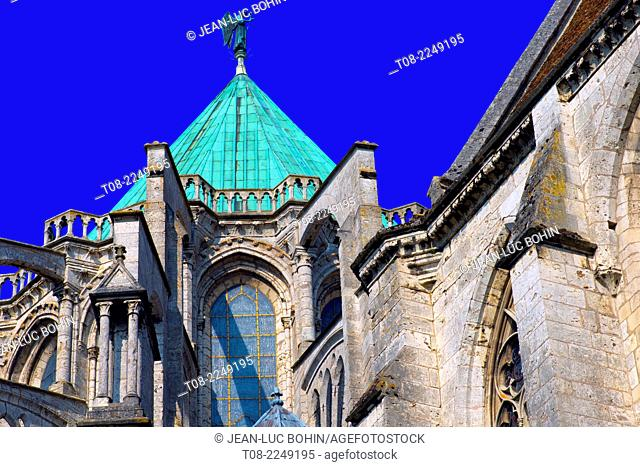 france, beauce,cathedral : roof