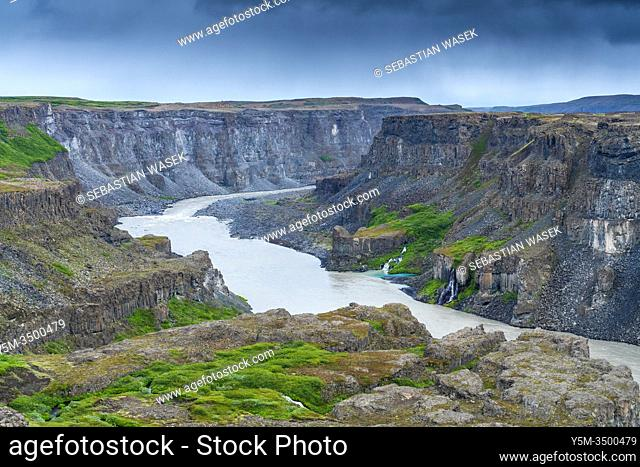 Hafragilsfoss, Jökulságljúfur canyon, Northeastern Region, Iceland