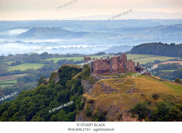 Carreg Cennen Castle, near Llandeilo, Brecon Beacons National Park, Carmarthenshire, Wales, United Kingdom, Europe