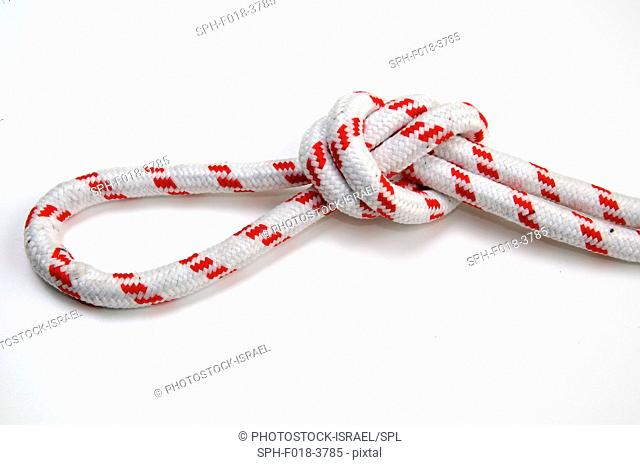 Overhand loop knot in a rope