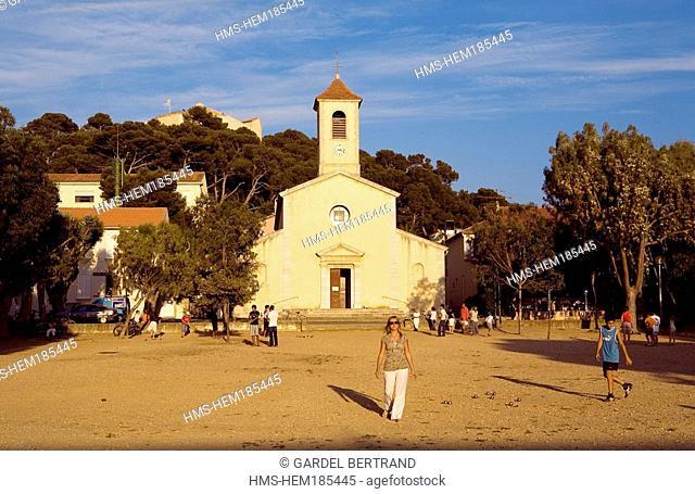 France, Var, Ile de Porquerolles, village, Place d' Armes and Sainte Anne Church