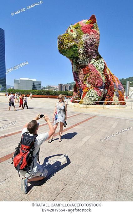 Puppy, by Jeff Koons. Guggenheim Museum, Bilbao, Bizkaia, Basque Country, Spain