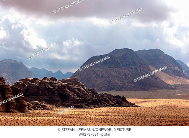 Jordan, Aqaba Gouvernement, Wadi Rum, Wadi Rum is a desert high plateau in South Jordan. It belongs to the UNESCO World Natural Heritage