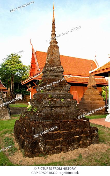 Thailand: Small chedi, Wat Plai Klong (also known as Wat Bupharam), Trat