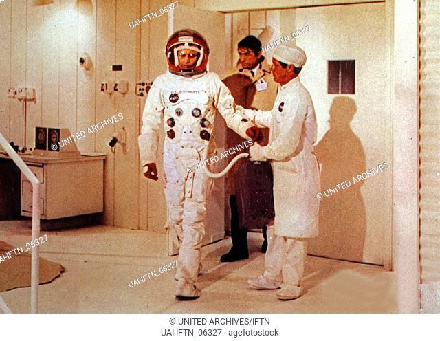 Marooned, aka: Verschollen im Weltraum, USA 1969, Regie: John Sturges, Darsteller: David Janssen (links), Gregory Peck (hinten), Richard Crenna (?)