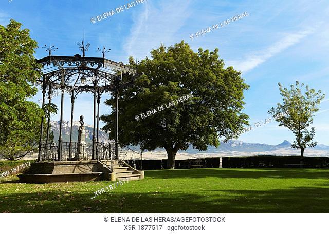 Samaniego monument  Laguardia  Rioja alavesa wine route  Alava  Basque country  Spain