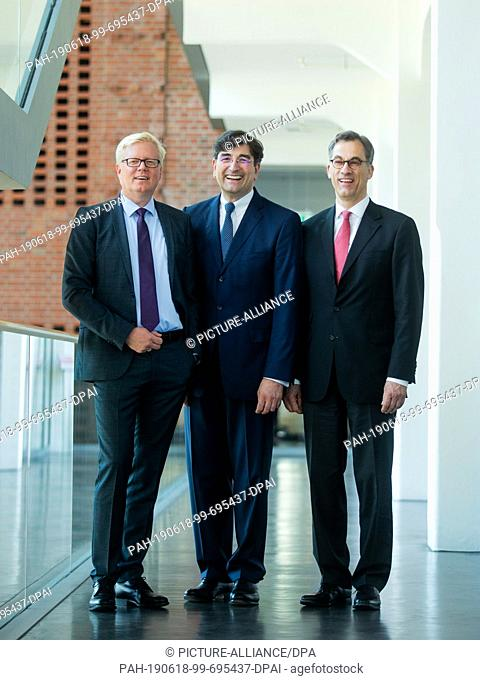 18 June 2019, North Rhine-Westphalia, Bielefeld: Niels Lorenz (l-r), General Manager of Dr. August Oetker KG, Albert Christmann, General Partner